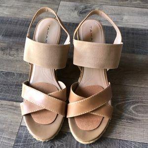TAHARI wedge heel sandals. 8M
